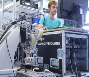 3D – Schwingungsmessung an einem Versuchsmodell.