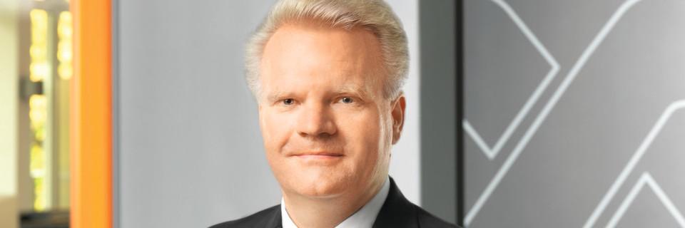 """""""Mit Blick auf die steigenden Anforderungen im Hochstrombereich ist die Verbindung von Leiterplattentechnologie und Anschlusstechnik ein konsequenter Schritt zur Optimierung des Gesamtsystems"""", sagt Jörg Scheer, Leiter der Weidmüller-Division Geräteanschlusstechnik."""