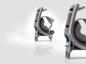 Hörgeräteteile mit 0,01 g bis 5 g Schussgewicht – hohe Anforderungen an die Präzision.