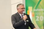 Bernd Weinig, Publisher der elektrotechnik, moderierte die Verleihung des zweiten automation app awards.