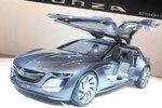 Mit dabei hat der Autobauer die Monza-Studie: schön anzusehen und gut für die Wahrnehmung der Marke.