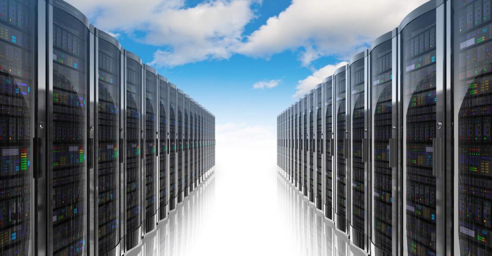 Um Cloud-Speicher sicher im Unternehmen nutzen zu können, muss man bestehende Sicherheitssysteme mit Cloud-fähigen Lösungen für Anwender, Daten, mobile Devices und privilegierte Benutzer verbinden.