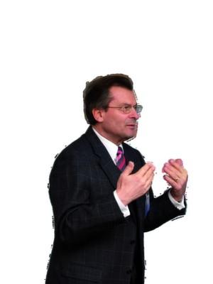 """Prof. Dr. Josef Nassauer, Cluster-Sprecher und Geschäftsführer der Bayern Innovativ GmbH: """"Die Kombination von Qualität in Funktion und Technik mit Wertigkeit und Emotion durch maßgeschneiderte Werkstoffe ist ein Wettbewerbsvorteil der deutschen Automobilindustrie""""."""