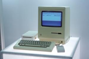 Heute ein Museumsstück: Der Ur-Macintosh 128K von Apple