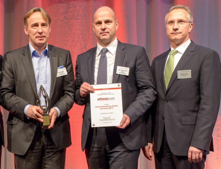 """Rüdiger Rath (l.) und Bernhard Ferber (M.) von Inforsacom wurde durch Partner-Manager als """"Red Stack Partner"""
