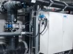 Einbaufertige Schaltschränke mit Ventilinseln von Typ CPX-VTSA von Festo, Wartungsgeräte der D-Reihe unnd Schwenkantriebe vom Typ DAPS.