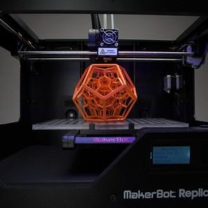 Der 3D-Drucker Replicator 2 von MakerBot