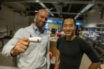 Die Initiatoren des Projektes OASIS: Dr. Eliah Aronoff-Spencer und Albert Yu-Min Lin.