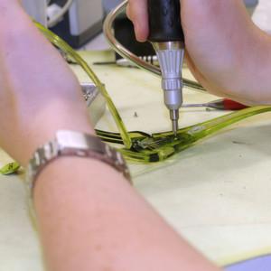 selbstschneidende schrauben f r flexible brillen. Black Bedroom Furniture Sets. Home Design Ideas