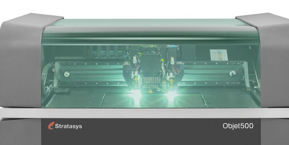 Der Objet500 Connex3 ist bisher der einzige 3D-Drucker, der farbige Prototypen mit unterschiedlichen Multimaterialkomponenten fertigt.