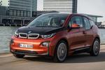 Der BMW i3 stößt für ein Elektroauto auf reges Interesse: 11.000 Bestellungen hatte der Hersteller Anfang 2014 und 100.000 Anfragen für Probefahrten. Die Lieferzeiten für den Wagen mit der ganz aus Karbon gefertigten Karosserieaußenhaut betragen inzwischen sechs Monate.