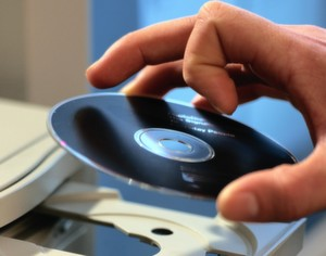 Die Frage, ob gebrauchte Software ohne Zustimmung des Herstellers verkauft werden darf, bleibt ungeklärt.