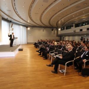 """Die 24. Vision-Days finden am 26./27. Februar 2014 unter dem Motto """"Vernetzt – Transparent – Profitabel"""" im Haus der Bayerischen Wirtschaft in München statt."""
