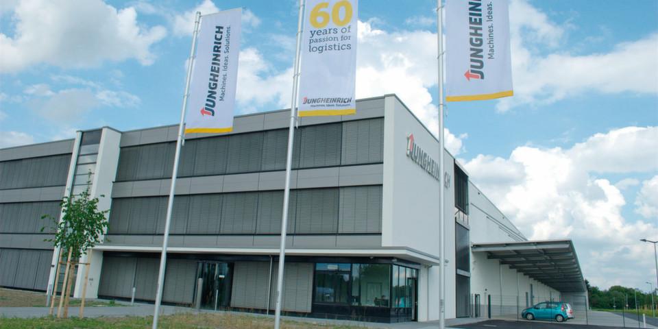 Das neue Jungheinrich-Werk für Lager- und Systemgeräte in Degernpoint, 2 km vom Stammwerk in Moosburg entfernt, ging im Herbst 2013 in Betrieb.