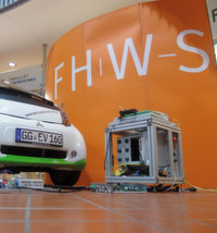 Studenten puffern erneuerbare Energie in Elektroautos