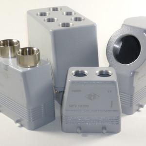 Vielfältige Steckverbindergehäuse und vielfältige Kabeleingänge bietet Ilme.