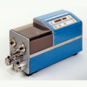 Mikro-Dosierpumpe zur Förderung und Dosierung anorganischer und organischer Medien.