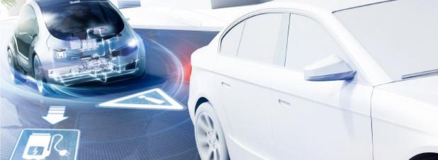 Die Vernetzung des Automobils: Das Fahrzeug der Zukunft wird permanent mit dem Internet, seiner Umgebung und anderen Fahrzeugen verbunden sein.
