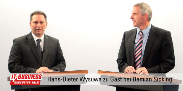 Fujitsu-Topmanager Hans-Dieter Wysuwa im IT-BUSINESS Executive-Talk