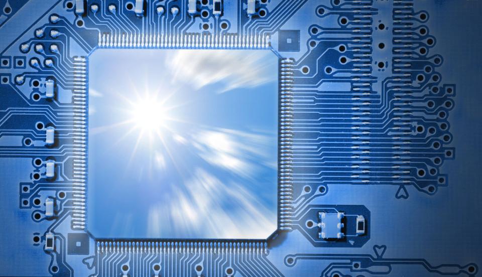 Leistungsfähigere Hardware und Cloud-Computing sind zwei der Faktoren, die eine Konsolidierung im Rechenzentrum begünstigen. Doch bringt das auch die Vorteile, die sich der Betreiber erhofft?