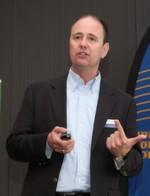 Martin Leibrandt von EPAL vertrat die Ladungsträgerbranche. Er will noch mehr Kunden von seiner intelligenten Europalette überzeugen, die im Zusammenspiel mit der Hörmann-Ladebrücke die Effizienz in den Ladeprozessen erhöhen soll.