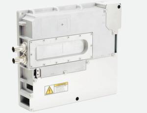 """Die neue Produktfamilie """"Mobile"""" für den Einsatz im Nutzfahrzeug umfasst intelligente Doppelumrichter, DC/DC-Wandler und diverse Kombimodule."""