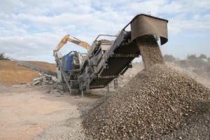 Robuste Klemmtechnik: Die Prallbrecher von Kleemann kommen weltweit in Steinbrüchen und auf Baustellen zum Einsatz, Reihenklemmen sorgen für sicheren Betrieb.