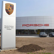 n rnbergs neues porsche zentrum ist bereit. Black Bedroom Furniture Sets. Home Design Ideas