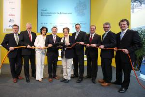 SLAM–Auftakt auf der Hannover Messe: mit Wirtschaftsstaatsekretärin Brigitte Zypries und den Konsortialpartnern