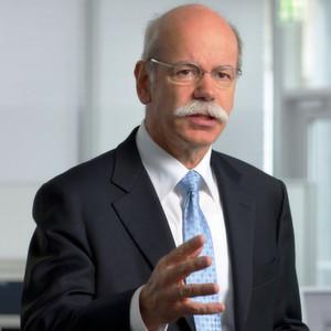 Zetsche bleibt ACEA-Präsident