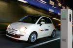 Der Hamburger Fiathändler Karabag baut und vertreibt elektrisch angetriebene Fiat 500.