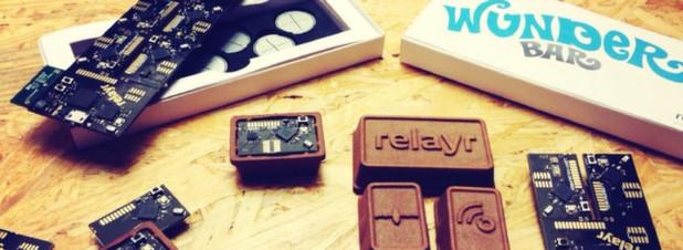 WunderBar von relayr: Auf dem ersten Blick ähneln die Teile des IoT-Kits einem Schokoriegel