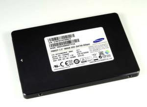 Mit dem Produkt PM853T will sich Samsung eine starke Position bei hocheffizienten SSDs für große Rechenzentren sichern.