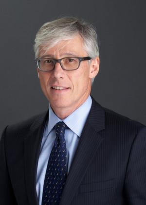 """""""Durch diesen Verkauf kann sich unsere Division Medical Care ganz auf Innovationen und Wachstum der Geschäftsfelder Radiologie und Diabetes Care konzentrieren, wo wir bereits stark vertreten sind"""", sagt Dr. Olivier Brandicourt, Vorstandsvorsitzender der Bayer Health Care AG."""