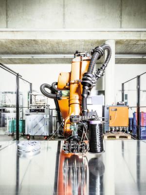 Fraunhofer hat eine ganzheitliche Lösung zum Schutz von Industrie- und Produktionsanlagen entwickelt. Der physische Schutz erfolgt mittels einer Schutzfolie für eingebettete Systeme.