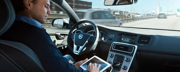 """Volvo, die Stadt Göteborg und das schwedische Verkehrsministerium untersuchen im Forschungsprojekt """"Drive Me"""" Vorteile und Risiken des autonomen Fahrens unter alltäglichen Fahr- und Lebensbedingungen."""