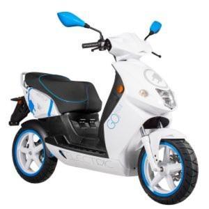 Mit seinen Elektrorollern will Govecs Fahrschüler vom emissionsfreien Fahren überzeugen.