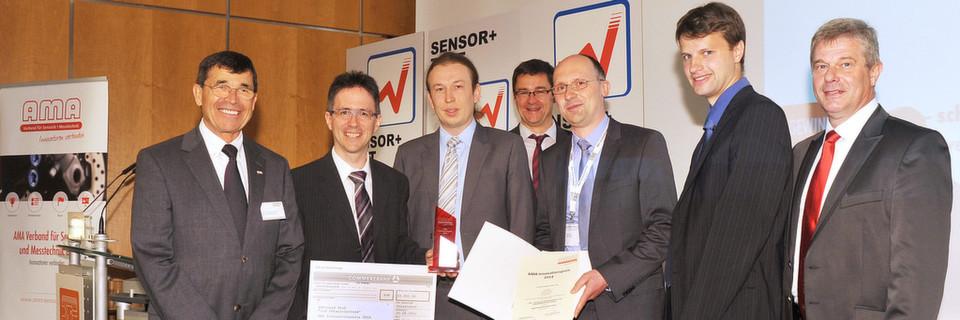 v.l. Wolfgang Wiedemann (AMA Verband), Christof Pruss (Uni. Stuttgart), Jens Siepmann (Mahr) , Prof. Andreas Schütze (Uni. Saarland), Dr. Markus Lotz (Mahr GmbH), Johannes Schindler (Uni Stuttgart) und Holger Hage (Mahr) bei der Verleihung des AMA Innovationspreises 2014 anlässlich der Sensor+Test 2014 in Nürnberg.