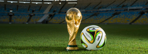 Der Ball der WM kommt aus Deutschland und der Pokal hoffentlich nach Deutschland!