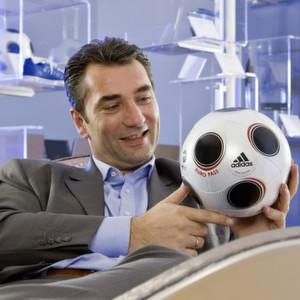 Thomas Michaelis ist bei Bayer Material Science Projektleiter für die Ball-Entwicklung.