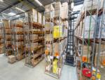 Das Ein- und Auslagern von Produkten und Paletten ist bis zu einer Höhe von 10,35 m möglich.