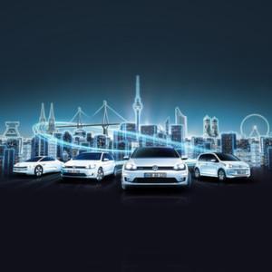 """Im Rahmen der """"electrified! Tour 2014"""" präsentiert Volkswagen den aktuellen Stand der Elektromobilität und erklärt die neue Technologie."""