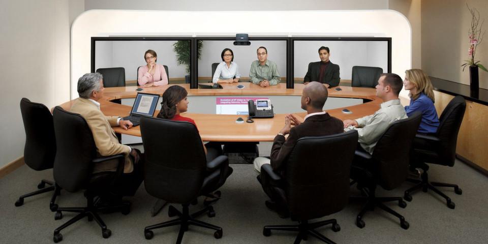Moderne Technologie verändert das Arbeitsleben und schafft neue Möglichkeiten für die länderübergreifende Zusammenarbeit – das Büro wird von der reinen Arbeitsstelle zum Technology-Hub.