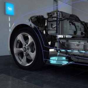 Künftig sollen E-Autos per Induktion geladen werden können.
