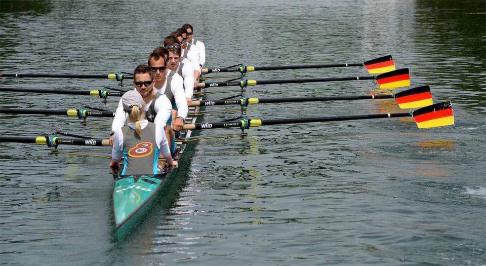 Deutschland-Achter 2014 siegte Sieg vor Russland und Großbritannien beim Weltcup auf dem Göttersee, Luzern.