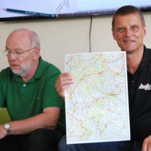 Stephan Maderner, Chefredakteur der »bike und business« (re.), hat den großen Überblick.
