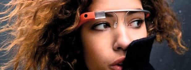 Da kann das Fotomodell noch so attraktiv sein: Sogenannte Wearable Devices wie Datenbrillen, digitale Armbänder oder Smart Watches überzeugen die deutschen Konsumenten bisher nicht.