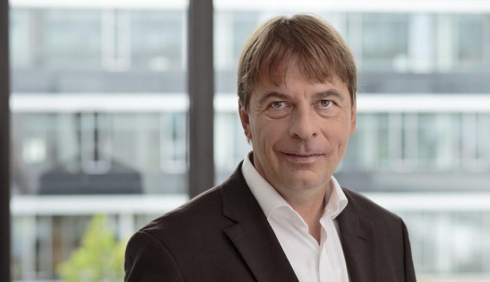 """Professor Peter Buxmann: """"Eine größe Chance auf Kooperation gehört zu den Vorteilen des Cloud-Computing, die nicht von Beginn im Fokus der Entscheidung stand""""."""