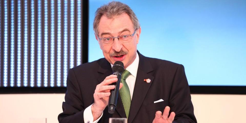 Bitkom-Präsident Prof. Dieter Kempf fordert von der Bundesregierung, die Unterstützung von Start-ups ins Zentrum der Digitalen Agenda zu rücken.