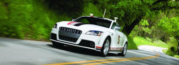 Schnell auch ohne Fahrer: Dieser autonome Audi TTS ist vollautomatisch und ohne Fahrer die berühmte Bergrennstrecke des Pikes Peak im US-Bundesstaat Colorado hinaufgerast